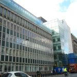 Der neuere Teil des Great Ormond Street Hospitals in London